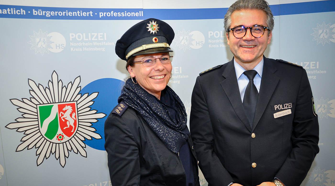 Daniela Ritzerfeld und Polizeidirektor Andreas Bollenbach